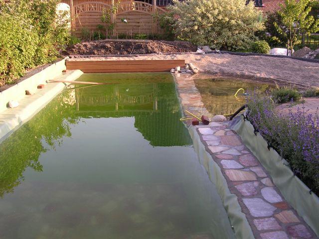Fertiger Teich ohne Begrünung