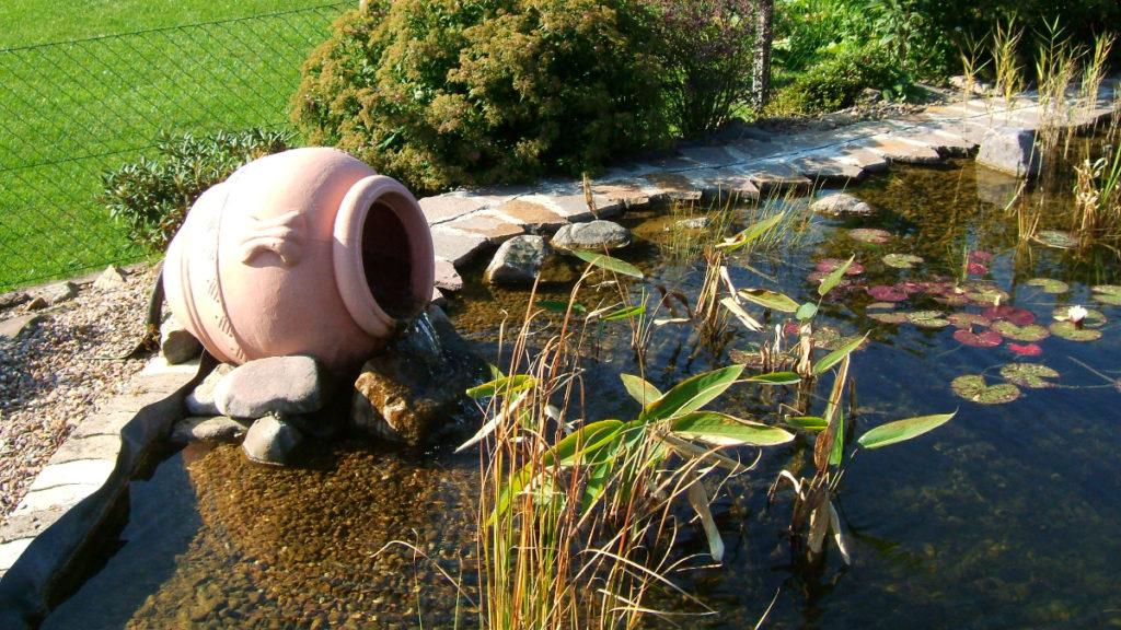 Wassereinlass mit Krug